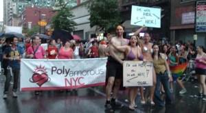 Η οργάνωση Polyamorous NYC στο Pride της Νέας Υόρκης το 2008